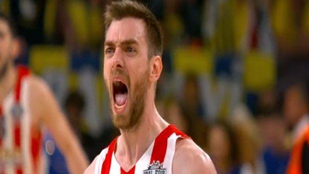 Ο Μάντζαρης ξεσήκωσε τον κόσμο του Ολυμπιακού