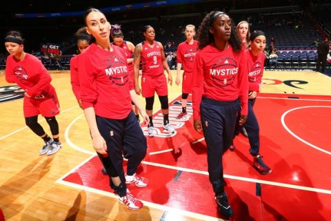 WASHINGTON, DC - MAY 18:  The Washington Mystics warm up before the game against the Dallas Wings on May 18, 2016 at the Verizon Center in Washington, DC. NOTE TO USER: User expressly acknowledges and agrees that, by downloading and or using this photograph, User is consenting to the terms and conditions of the Getty Images License Agreement. Mandatory Copyright Notice: Copyright 2016 NBAE (Photo by Ned Dishman/NBAE via Getty Images)