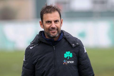 Ο προπονητής του Παναθηναϊκού Κ19, Σωτήρης Συλαϊδόπουλος, σε στιγμιότυπο της αναμέτρησης με τη Λαμία Κ19 για τη Super League Κ19 2019-2020 | Σάββατο 14 Δεκεμβρίου 2019