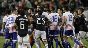 Παραγουάη – Μεξικό: Πιάστηκαν στα χέρια οι παίκτες των δύο ομάδων