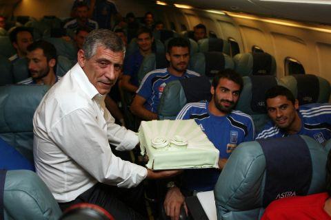 Φερνάντο Σάντος και Νίκος Σπυρόπουλος στην πτήση της επιστροφής από Τιφλίδα σε Αθήνα