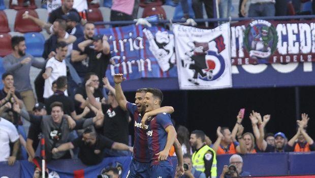 Η Λεβάντε τρόλαρε τη Μπαρτσελόνα για τα τρία γκολ σε επτά λεπτά