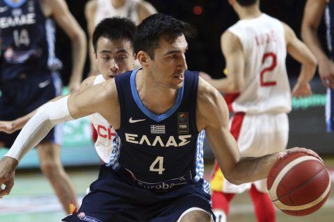 Ο Δημήτρης Κατσίβελης σε αγώνα Ελλάδα - Κίνα