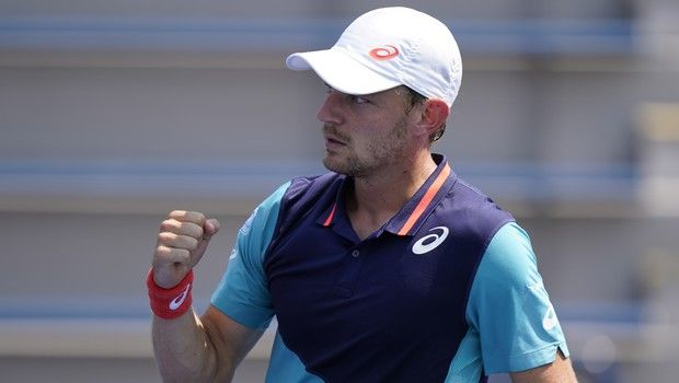 David Goffin, of Belgium, reacts to a shot from Jan-Lennard Struff, of German, during the third round at the Western & Southern Open tennis tournament Tuesday, Aug. 25, 2020, in New York. (AP Photo/Frank Franklin II)