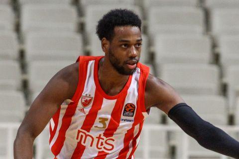 Ο Τζόρνταν Λόιντ σε στιγμιότυπο από αναμέτρηση του Ερυθρού Αστέρα στη EuroLeague
