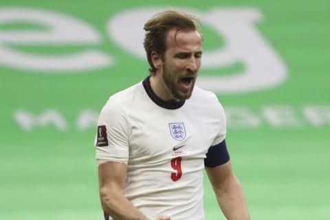 Ο Χάρι Κέιν πανηγυρίζει το γκολ που πέτυχε με την Εθνική Αγγλίας κόντρα στην Αλβανία