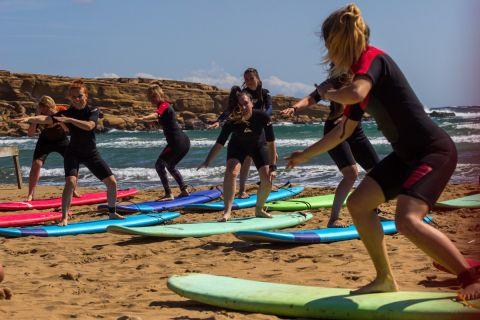 """Bikini Tribe Surf Sessions"": Το πρωτοποριακό surf camp μόνο για γυναίκες"