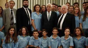 Παυλόπουλος: «Εύχομαι να σας υποδεχθώ και ως Ολυμπιονίκες»