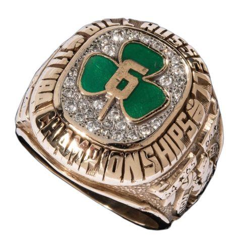 Ένα από τα 11 δακτυλίδια πρωταθλητή που κατέκτησε στην καριέρα του ο Μπιλ Ράσελ