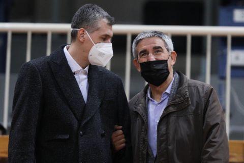Ο Ζόρντι Μπερτομέου, CEO της EuroLeague Basketball, με τον Δημήτρη Διαμαντίδη στο ΟΑΚΑ