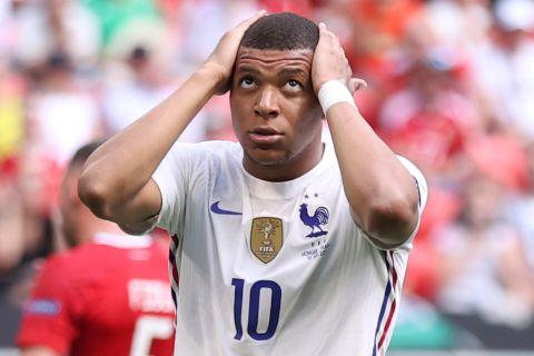 Ο Κιλιάν Εμπαπέ στο Ουγγαρία - Γαλλία 1-1