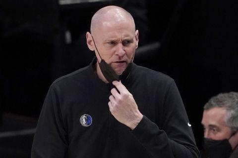 Ο πρώην προπονητής των Ντάλας Μάβερικς, Ρικ Καρλάιλ