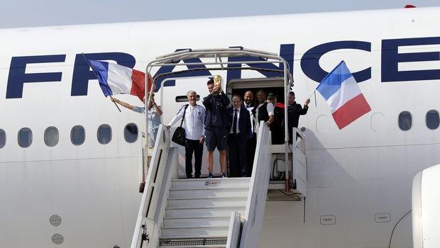 Η προσγείωση της εθνικής Γαλλίας στο Παρίσι (VIDEO)