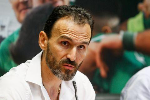 Ο Νίκος Νταμπίζας ως τεχνικός διευθυντής του Παναθηναϊκού