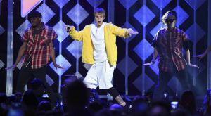 To ΤΜΖ υποστηρίζει ότι το UFC έχει συμφωνήσει με τον Justin Bieber για αγώνα με τον Tom Cruise