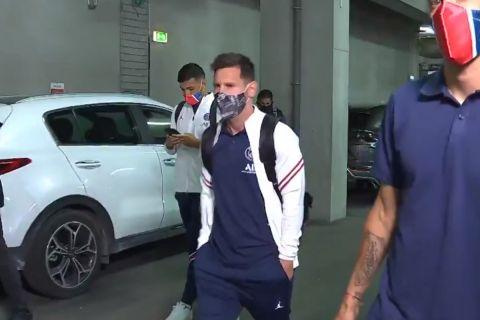 Ο Λιονέλ Μέσι κατά την άφιξή του στο γήπεδο της Ρεμς