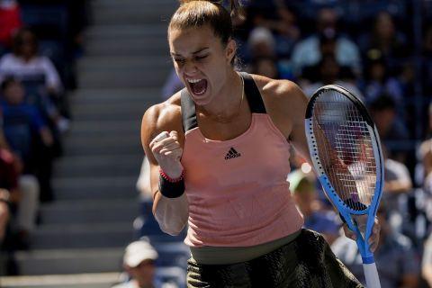 Η Μαρία Σάκκαρη πανηγυρίζει στο US Open