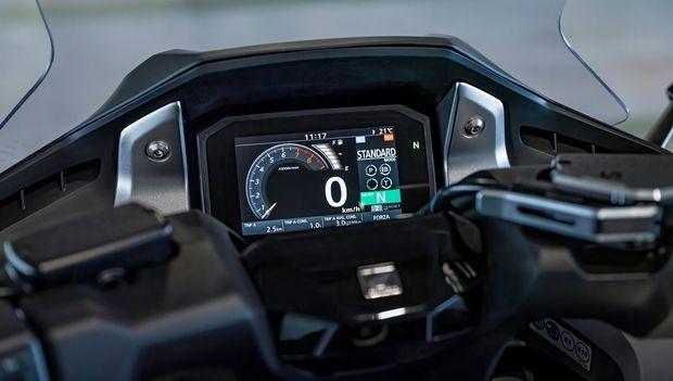 H Honda Forza 750