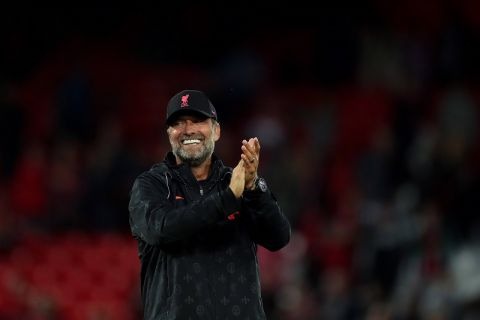 Mandatory Credit: Photo by Paul Greenwood/Shutterstock 12254266ab Liverpool manager Jurgen Klopp applauds the fans at the final whistle Liverpool v Osasuna, Pre-season Friendly, Football, Anfield, Liverpool, UK - 9 August 2021 EDITORIAL USE ONLY No use with unauthorised audio, video, data, fixture lists outside the EU, club/league logos or live services. Online in-match use limited to 45 images 15 in extra time. No use to emulate moving images. No use in betting, games or single club/league/player publications/services. Liverpool v Osasuna, Pre-season Friendly, Football, Anfield, Liverpool, UK - 9 August 2021 EDITORIAL USE ONLY No use with unauthorised audio, video, data, fixture lists outside the EU, club/league logos or live services. Online in-match use limited to 45 images 15 in extra time. No use to emulate moving images. No use in betting, games or PUBLICATIONxINxGERxSUIxAUTXHUNxGRExMLTxCYPxROMxBULxUAExKSAxONLY Copyright: xPaulxGreenwood/Shutterstockx 12254266ab