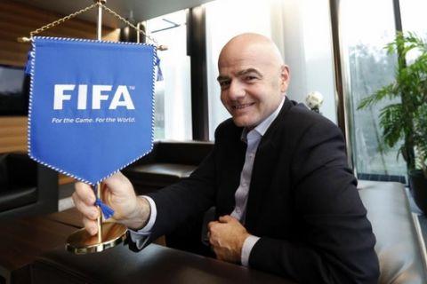 Entrevista con el presidente de Fifa, Infantino en Zurich, de Juan Ignacio Gallardo y Jose Félix Díaz