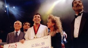 Πριν από 25 χρόνια αποφάσισαν να αναδείξουν τον κορυφαίο μαχητή και γεννήθηκε το UFC