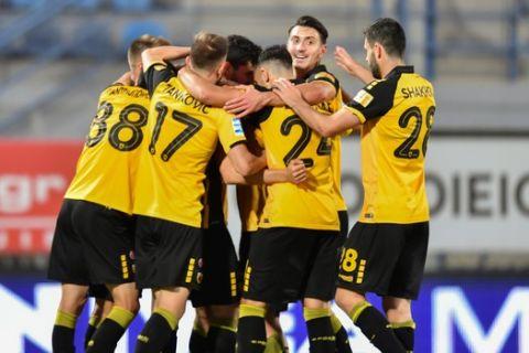 Οι παίκτες της ΑΕΚ πανηγυρίζουν το γκολ που σημείωσαν κόντρα στον Αστέρα Τρίπολης