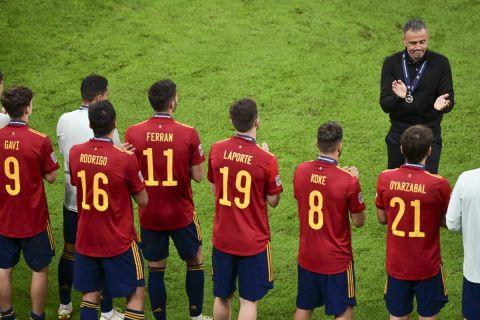 Ο Λουίς Ενρίκε με τη φανέλα της εθνικής Ισπανίας