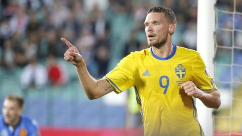 Sweden's Marcus Berg celebrates his goal against Bulgaria, during the World Cup Group A qualifying soccer match between Bulgaria and Sweden at Vassil Levski Stadium in Sofia, Bulgaria, Thursday Aug. 31, 2017. (AP Photo/STR)