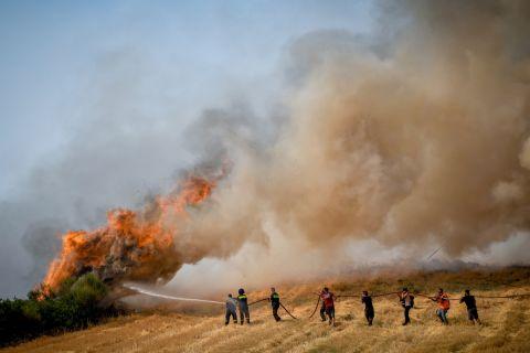 Στιγμιότυπο από την πυρκαγιά στην Αττική