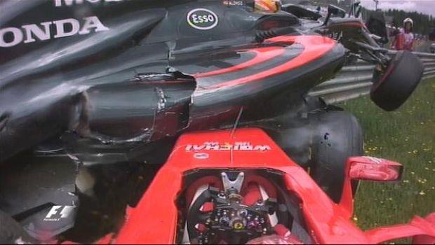 Το τρομακτικό ατύχημα στην εκκίνηση του Αυστριακού GP του 2015