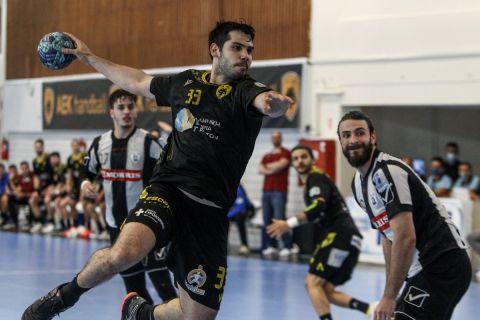 Φωτογραφικό στιγμιότυπο από αναμέτρηση ΑΕΚ - ΠΑΟΚ για την Handball Premier της σεζόν 2020-21 (6 Ιουνίου 2021)