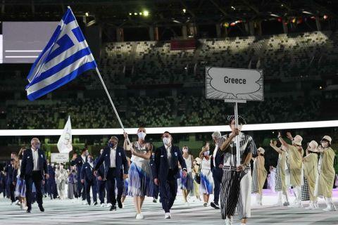 Η ελληνική αποστολή στην τελετή έναρξης των Ολυμπιακών Αγώνων του Τόκιο