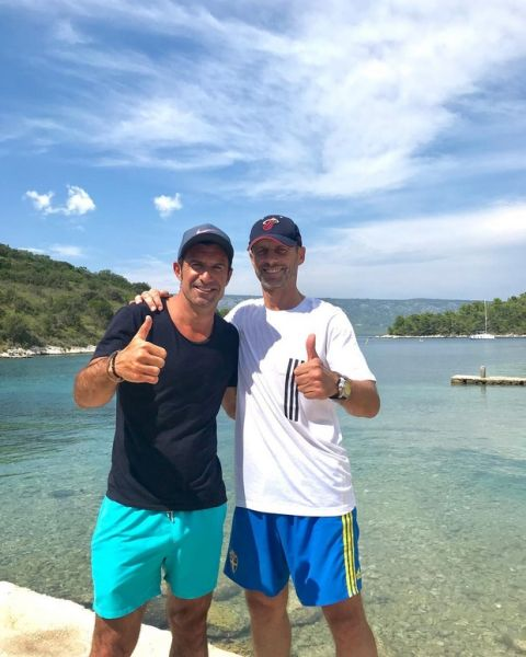 Με μαγιό στη θάλασσα ο Φίγκο και ο πρόεδρος της UEFA