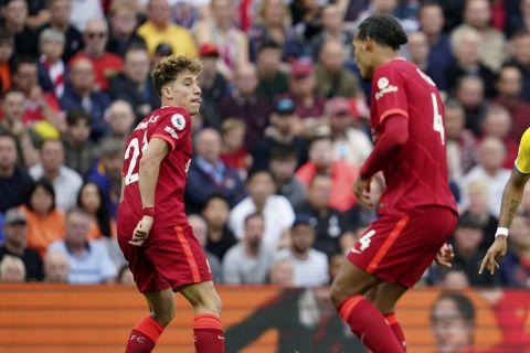 Ο Κώστας Τσιμίκας με τη φανέλα της Λίβερπουλ κόντρα στην Κρίσταλ Πάλας σε ματς της Premier League | 18 Σεπτεμβρίου 2021