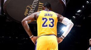 Η «εποχή LeBron James» άρχισε με ήττα στο L.A.