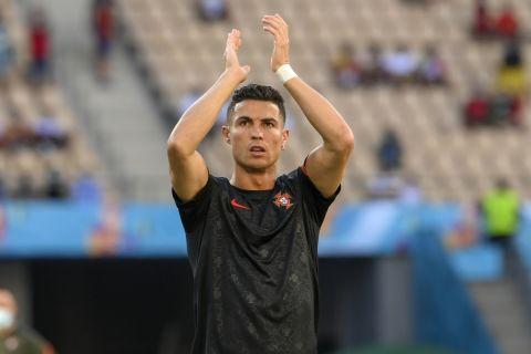 Ο Κριστιάνο Ρονάλντο με τη φανέλα της Πορτογαλίας κόντρα στο Βέλγιο στο Euro 2020