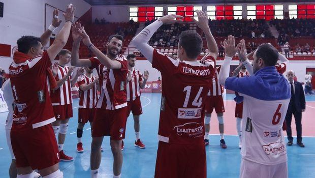 Ολυμπιακός - Φοίνικας Σύρου 3-1: Κατέκτησαν το League Cup οι Πειραιώτες