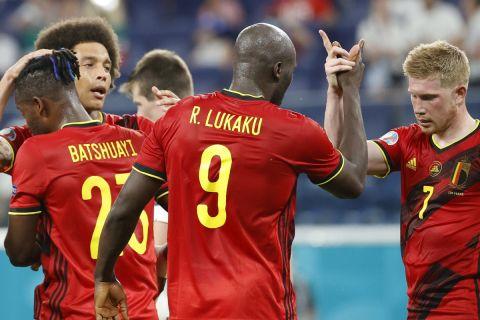 Οι παίκτες του Βελγίου πανηγυρίζουν το γκολ που σημείωσαν