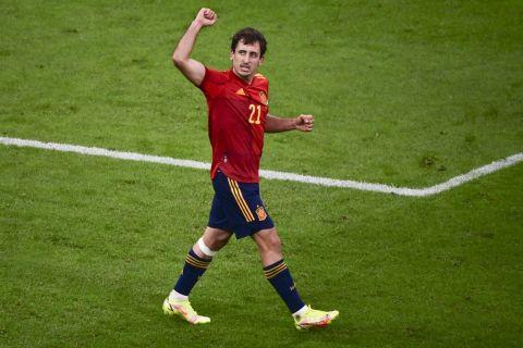 Ο Μικέλ Οϊαρθάμπαλ πανηγυρίζει το γκολ του με τη φανέλα της Ισπανίας κόντρα στην Γαλλία στον τελικό του Nations League | 10 Οκτωβρίου 2021