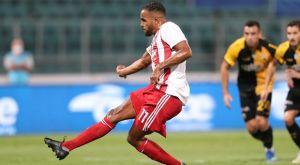 ΑΕΚ – Ολυμπιακός: Ο Τσιντώτας απέκρουσε πέναλτι του Ελ Αραμπί