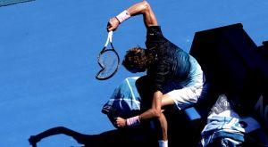 Australian Open: Ο Ζβέρερ έσπασε τη ρακέτα από τα νεύρα του (VIDEO)