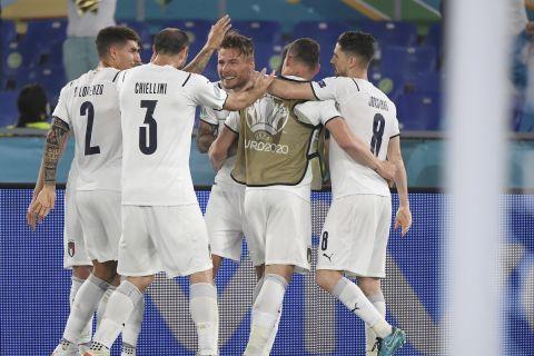 Ο Ιμόμπιλε πανηγυρίζει το 2-0 της Ιταλίας κόντρα στην Τουρκία (11 Ιουνίου 2021)
