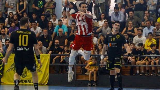 Handball Premier: Πρωταθλητής ο Ολυμπιακός, 28-21 την ΑΕΚ
