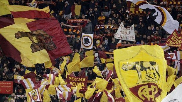 Ντε Ρόσι: Οι οπαδοί της Ρόμα σήκωσαν πανό και στο Λονδίνο
