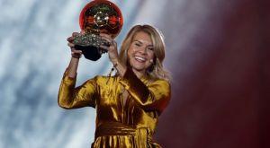 Χρυσή Μπάλα: Κακόγουστο αστείο με τον παρουσιαστή να ζητά… twerking από τη νικήτρια