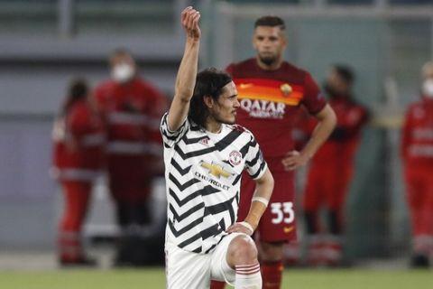Ο Καβάνι πανηγυρίζει γκολ του στην αναμέτρηση της Μάντσεστερ Γιουνάιτεντ με τη Ρόμα στο Ολίμπικο για τα ημιτελικά του Europa League.