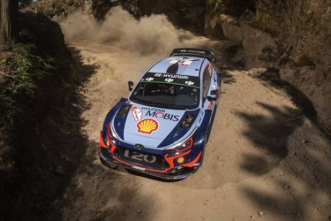 Thierry Neuville (BEL) performs during FIA World Rally Championship 2018 in Porto, Portugal on 18.05.2018 // Jaanus Ree/Red Bull Content Pool // AP-1VQ1AYRCH2111 // Usage for editorial use only // Please go to www.redbullcontentpool.com for further information. //
