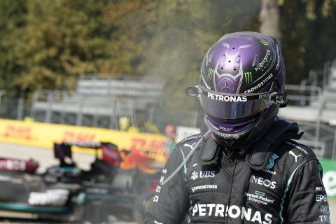 Formula 1: Χάμιλτον και Φερστάπεν ανταλλάσσουν κατηγορίες για το ατύχημα