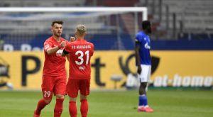 Σάλκε – Άουγκσμπουργκ 0-3: Απογοητευτικοί οι Βασιλικοί Μπλε, θρίαμβο οι φιλοξενούμενοι