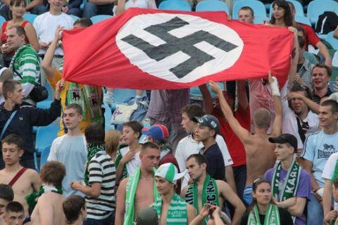 Παιδιά με σβάστικες και ναζιστικούς χαιρετισμούς στον τελικό κυπέλλου Βουλγαρίας